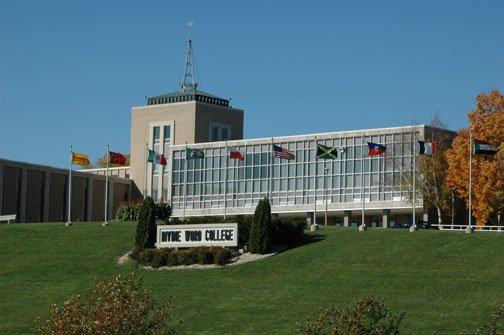 divine-world-college-small-catholic-college