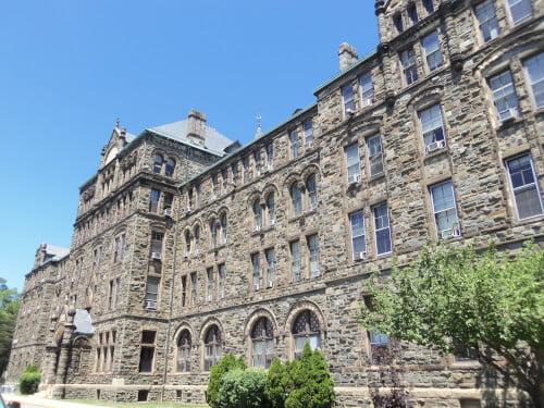 Caldwell Hall online nursing master's program