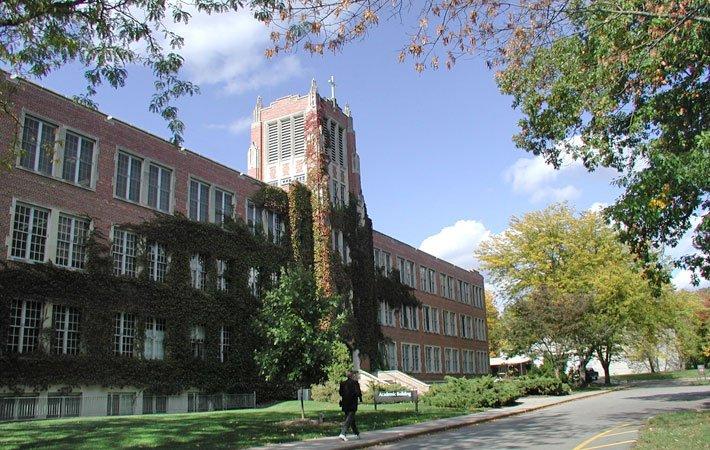 aquinas-college-small-catholic-college